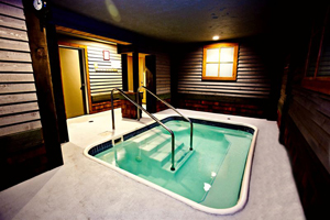 Fernie hotel amenities hot tub