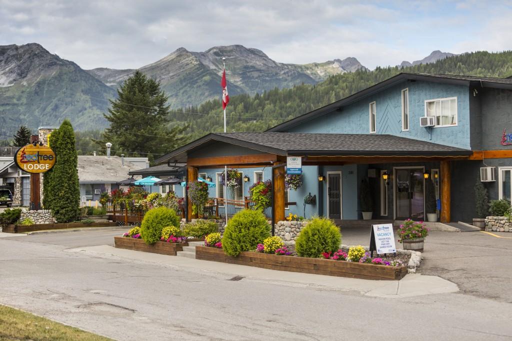 Hotel in Fernie near Crowsnest Highway