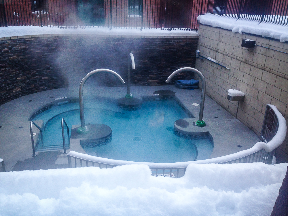 Relax at spa 901 hotel in fernie bc red tree lodge for Red lodge swimming pool timetable