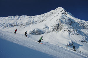 Skiing and snowboarding at Fernie Alpine Resort